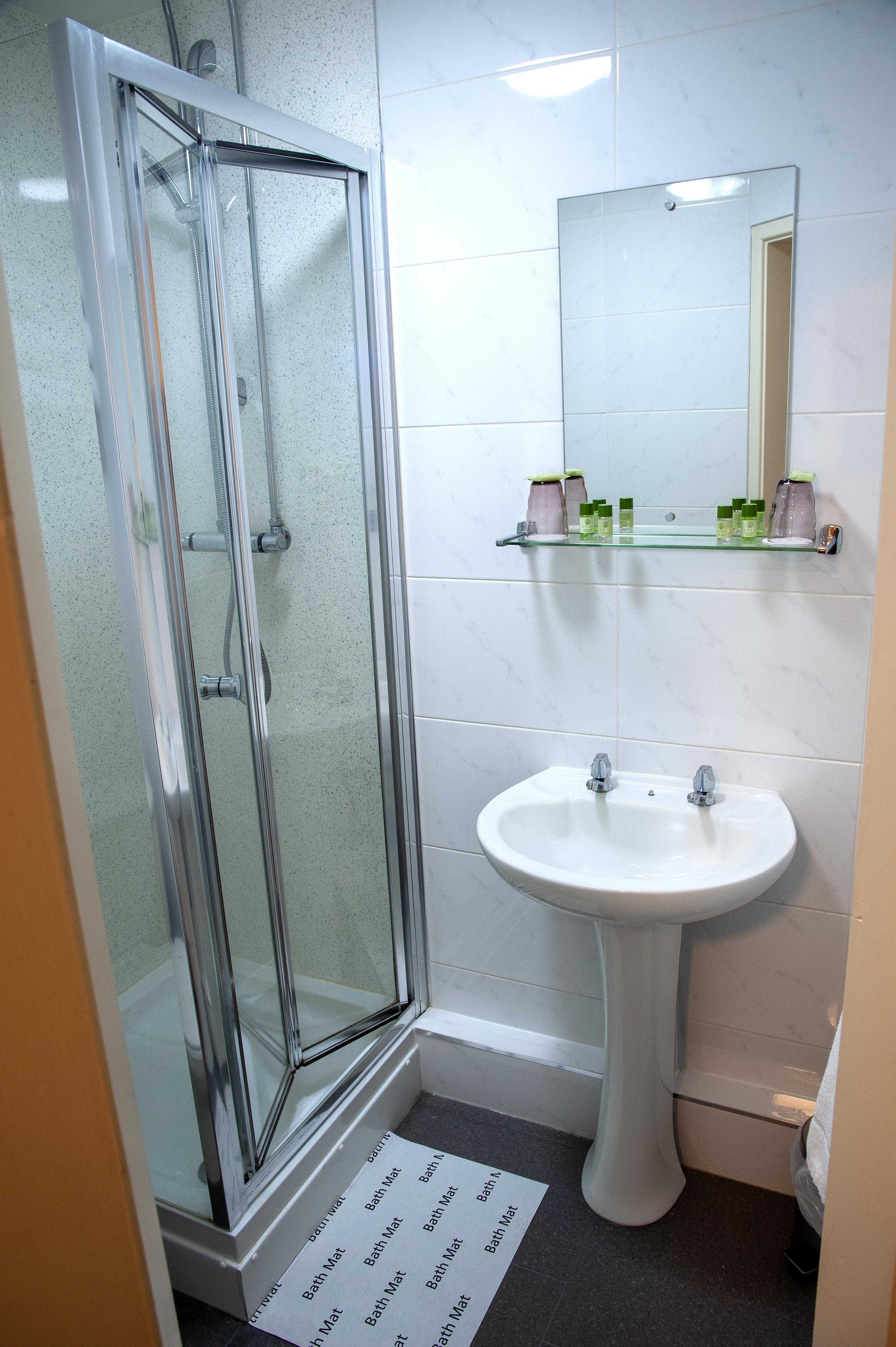 redbeck-bathroom